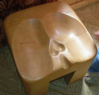 Male_fitted_chair